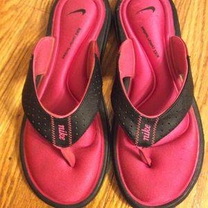 Nike comfort flip flops
